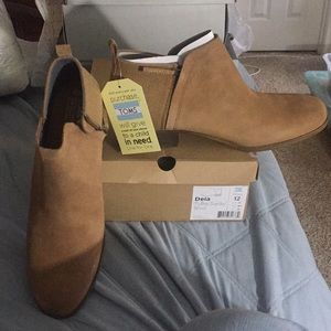 New with tags, Toms Delia size 12